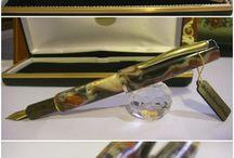 http://www.blancheurpens.com/          HANCRAFTED PENS / Handcrafted Pens :  Stilografiche realizzate in Artigianato Artistico a mano. Celluloid – Ebonite – Lucite –  Aerometric System : Button-Filler – Plunger pump – Lever-filler – Converter ink http://www.blancheurpens.com/