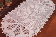 Tapetes em Crochê / Lindos tapetes para decorar a sal casa... Ou fazer um dinheiro. Por que não??