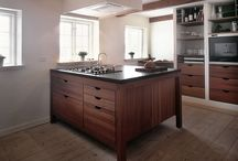 HANSEN Kitchen - made to measure / HANSEN Custom is individually designed kitchens in solid wood design series 100 and 200. Build in walnut, oak, ash, maple , elm, teak and frejo mahogany .
