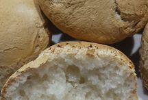 Pane Gluten Free / Da sette mesi circa sto lavorando alla lievitazione, al mio lievito, quello preparato da me. Dopo 30 ore di lievitazione, il pane gluten free che serviamo anche accanto alle nostre pietanze (su richiesta). Il pane è uno dei cibi più amati al mondo, grazie alle farine che ho utilizzato, anche per preparare il lievito. Anche da asporto. Informazioni e prenotazioni 081 8991843/ 333 2963740 http://www.lalanternaristorante.it/site/post_dettaglio/111