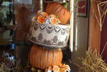 Fall Wedding Cakes / by Joan Mclain