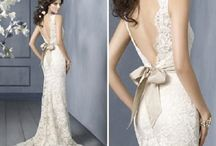 Say YES to the DRESS / by Danielle Tynan
