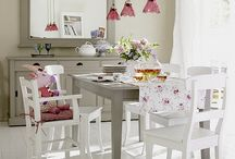 Dining Rooms and Breakfast Areas