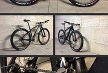 自転車とパーツ