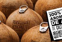 Agua de coco / El agua de coco  nos aporta casi todos los nutrientes esenciales que necesita el cuerpo y sus propiedades influyen muy positivamente en nuestra salud.