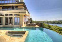 Estates & Mansions / Luxurious Estates, Mansions & More