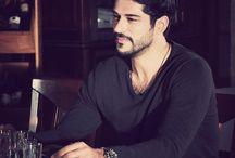 Burak Özcivit / Modell és színész. Törökország.