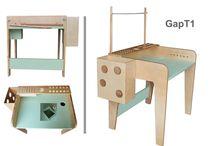 Stolik dla dziecka / LapGap proponuje dwa modele stolików. Pierwszy T1 wielofunkcyjny, zawiera w sobie różne elementy organizujące prace plastyczne malucha. Drugi mniej skomplikowany T2. Oba modele wykonane sa w 100% z drewna, pokryte certyfikowanymi lakierami bezpiecznymi dla dziecka.