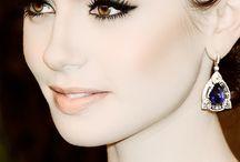 Eyes / No voy a poner aquí los clásicos ojos azules, un ojo no es bonito sólo por ser azul. Me gustan los ojos, primero, por su forma y cómo resaltan con respecto al resto del rostro.  En cuanto a color, me gusta cuando se combinan maravillosamente con el pelo y la piel. Prefiero los grandes contrastes: Piel clara y ojos oscuros - Pelo oscuro y ojos claros - Piel media u oscura y ojos claros. También, destacaré a esos ojos que son, en sí mismos, únicos: Colores extravagantes, mezclas, pintitas.