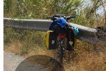 Von Radreisenden für Radreisende / Dies ist eine Pinnwand rund um das Thema Radreisen und Radtouren. Wenn du gerne an dem Board mitwirken möchtest, schreib eine Mail an info@dasfliegendeklassenzimmer.org und ich füge dich hinzu. Radreisen, Fahrradurlaub, Radtouren