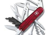 Swiss, Cyber náradie / Vreckový nôž veľkosti 91 mm s črienkami z pravých perál. S množstvom funkcií.