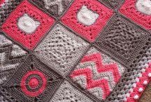 Čtverce - Squares - kruhy / Háčkované koberce a deky , curtains...