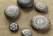 Pedras coloridas