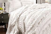 Linens & bedding / by Kimberly Winfree