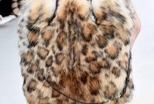 Accessories Fur Style / Accessori e borse di pelliccia.
