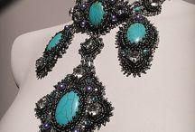 Bijoux perles: Brodés / by Emmanuelle Anfreville