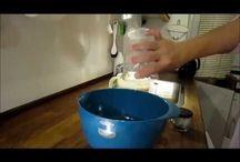 Bagning, boller & brød / Elsker du, at bage ligesom os. Så kan du her finde gode tip til din bagning. Lækre brød, små boller og tilberedning af de lækreste desserter.