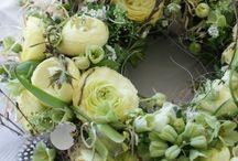 Tablecentres & arrangements / weddings, floral centre pieces, luxury arrangements, top table arrangements. wedding flowers, top table flowers, flower arrangements.