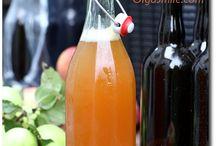 owoce w butelce i słoiku