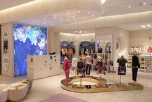 Roberto Cavalli Junior - Riyadh / Roberto Cavalli Junior have opened their first flagship store in Riyadh, inside the Al Garawi Galleria, the focal point of luxury shopping in the Kingdom of Saudi Arabia. Furnishings were produced made-to-measure by Effebi.