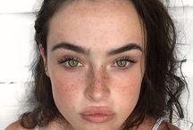 Girls / makeup