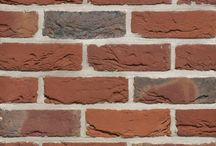 Terca Artiza collectie, artisanale baksteen met rijke kleurnuances / Artiza zijn gevelstenen met een levendige look. Door de zorgvuldig geselecteerde, hoogwaardige kleisoorten krijgen ze hun artisanale expressie. Het ambachtelijke bakproces versterkt dit krachtige karakter.