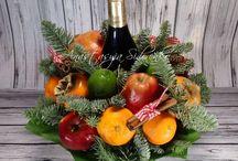 bukiety z owoców np.z butelką wina