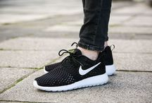 "Nike Roshe One Flight Weight (GS) ""Black/White"" (705485-008)"