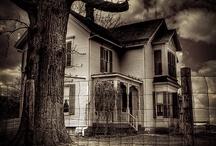 Houses / by Tina Lemke
