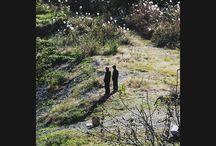 川縁に同い年くらいのオジサン2人。同級生だったりするんですかね。 riverside #landscape #river #autumn #秋の風景写真