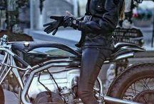 Chicas motos retro