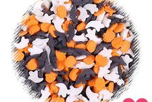 Quin Sprinkles / Quin sprinkles come in a large variety of shapes, sizes and colors making them perfect for seasonal baked goods! Quins, also known as confetti sprinkles or sequin sprinkles are flat crunchy sugar shapes. This style sprinkle is a quick easy way to add a pop of color to your cookies, cakes, cake pops and more! The small round versions are often used on sequin cakes painted gold or silver with edible food paints to add a little bling!