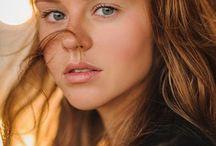 Sasha L. / Bayan modellerimizden 1.75 boyunda, 84-60-90 ölçülerine sahip, Yeşil gözlü kumral saçlı '' Sasha '' şehirdedir.