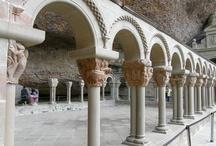 San Juan de la Peña / A apenas diez minutos desde nuestro hotel se encuentra el Monasterio de San Juan de la Peña, cuna del Reino de Aragón. Un lugar mágico como pocos...