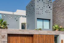 Das Design Dieses Modernen Hauses Platziert Eine Priorität Auf Dem Meerblick