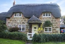 Quaint Cottages in England / Quaint and beautiful cottages in England.