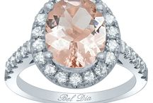 White Gold Morganite Engagement Rings / Collection of white gold and morganite engagement rings from the Bel Dia collection.