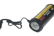Autodoplňky / Motorové oleje Castrol, měniče napětí, střešní nosiče, autokoberce, stěrače, nabíječky autobaterií.