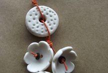 kwiaty z ziemnej porcelany