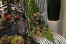 Ilusión de flores de Emilio Robba en Plaza Fontabella. / Ilusión en flores de Emilio Robba. Visita la tienda en Plaza Fontabella.