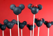Cake Pops / by Nancy DeJesus