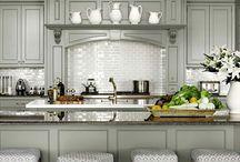 Kitchens / by Laura Sandberg