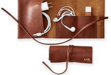 pouch gadgets leather