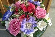 Доставка цветов в Праге / Наш салон предлагает доставку букетов по Праге, создание цветочных композиций и оформление свадеб