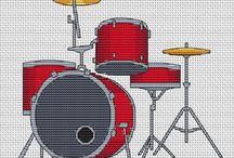 Haft krzyżykowy - Muzyka, instrumenty