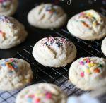 Cookies, brownies and bars / Food, cookies, brownies, Rice Krispie bars, cheesecake bars, pie bars,  / by Rachel Santana