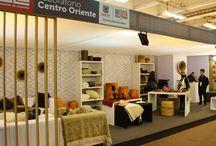 Laboratorio de Diseño e Innovación Centro Oriente. / El estand de este espacio se encuentra en el pabellón 1 nivel 1 y reune el trabajo artesanal de los artesanos de los laboratorios de Boyacá, Cundinamarca, Santander y Bogotá.   Productos como cojines, vajillas, juegos de te, cestos, pufs, mantas, materas, entre otros podrás encontrarás aquí. http://bit.ly/1Y8A8Ny