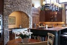 Konyhák és étkezők (Kitchens and dining rooms)