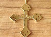 Croix Mageva gravées Megève et autres Croix traditionnelles / Photos de Croix traditionnelles et modernes : Croix Grille de Savoie, Croix Mageva gravées Megève...