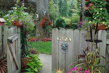 Pretty Gardens - Inspiration / http://dabbiesgardenideas.com